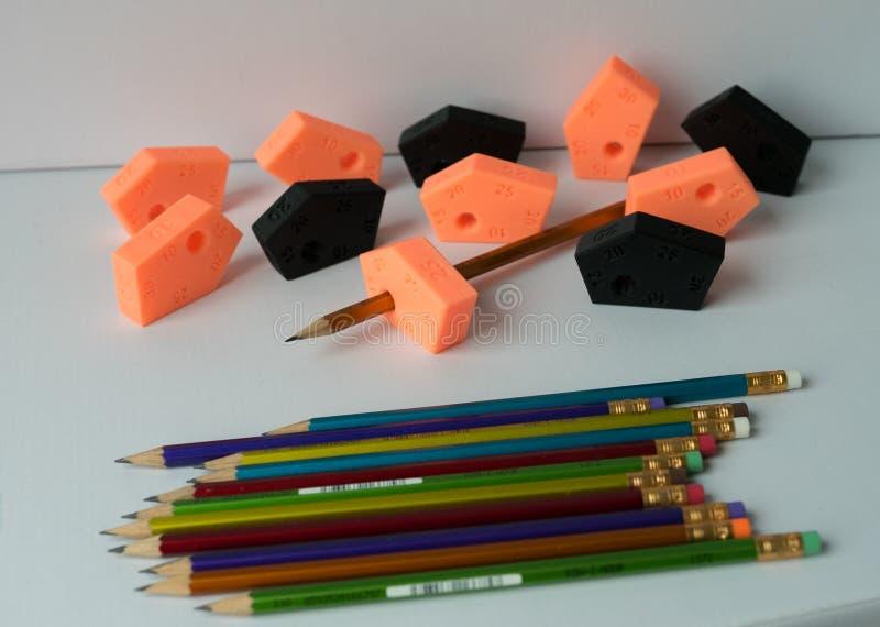 Χαράζοντας το εργαλείο που γίνεται από το τρισδιάστατο μολύβι εκτυπωτών και χρώματος, τέχνη, γραφέας, εργαλείο, σχέδιο, raphic, π στοκ φωτογραφία με δικαίωμα ελεύθερης χρήσης