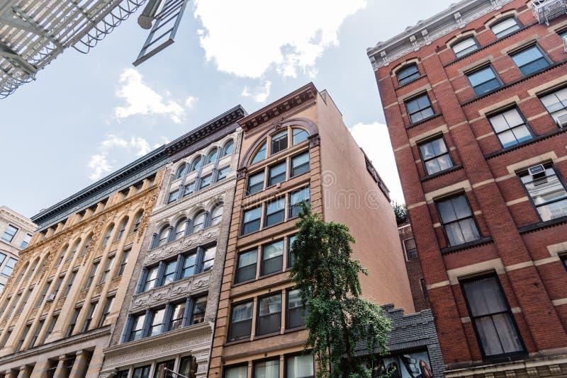 Χαρακτηριστικά κτήρια σε Soho στη Νέα Υόρκη στοκ εικόνα με δικαίωμα ελεύθερης χρήσης