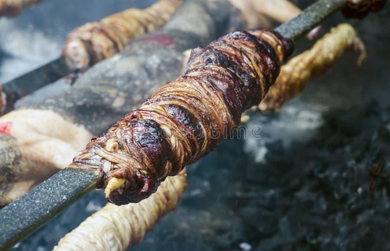 Download Χαρακτηριστικά σαρδηνιακά τρόφιμα Entrails του ψητού ζώων και ψημένου ομο Στοκ Εικόνα - εικόνα από κοινότητα, φάτε: 62723651