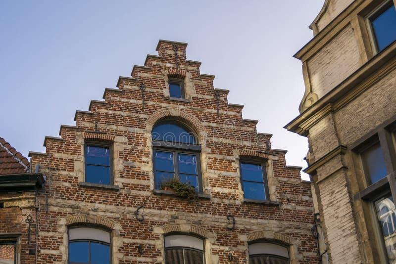 Χαρακτηριστικά φλαμανδικά κτήρια του Βελγίου στοκ φωτογραφίες