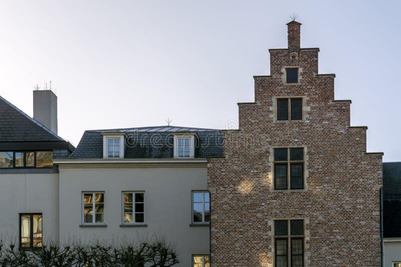 Χαρακτηριστικά φλαμανδικά κτήρια του Βελγίου στοκ φωτογραφίες με δικαίωμα ελεύθερης χρήσης