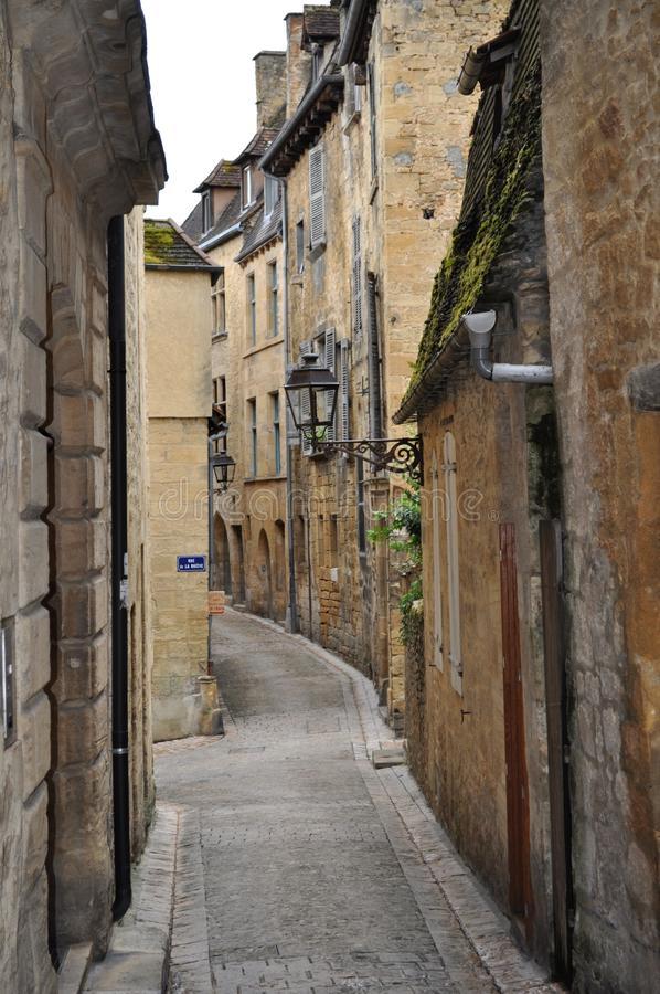 Χαρακτηριστική μεσαιωνική γαλλική πόλη, Sarlat, Γαλλία στοκ φωτογραφία