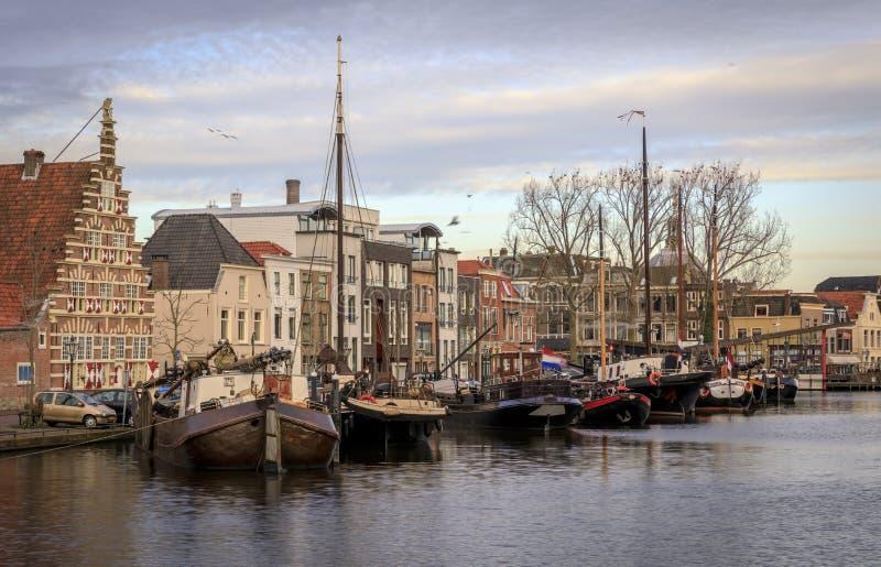 Χαρακτηριστική ολλανδική άποψη επάνω & x27 Galgewater& x27  Λάιντεν Ολλανδία στοκ φωτογραφίες με δικαίωμα ελεύθερης χρήσης