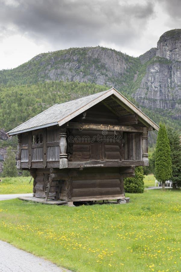 Χαρακτηριστικός παλαιός τύπος wodenhouse στη Νορβηγία στοκ φωτογραφίες με δικαίωμα ελεύθερης χρήσης