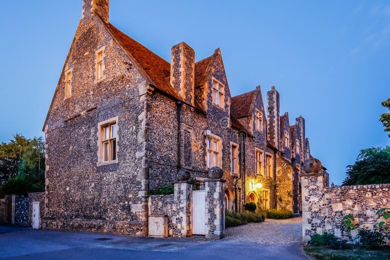 Χαρακτηριστικό αγγλικό αρχαίο σπίτι στοκ εικόνες