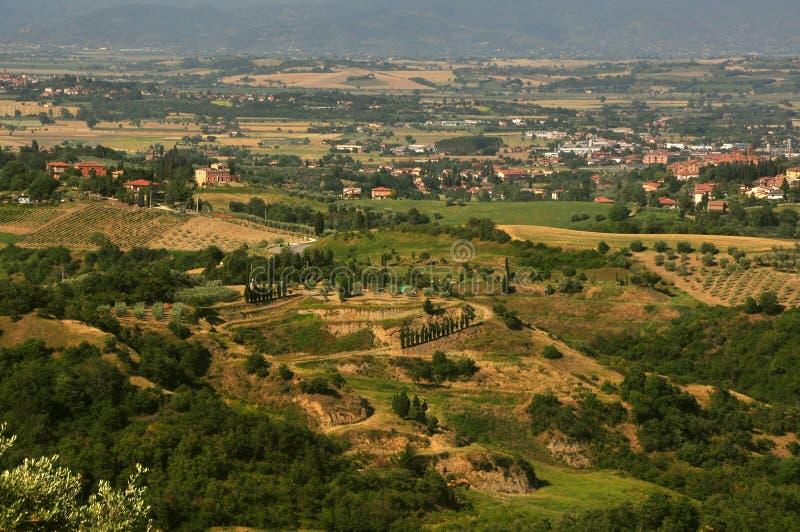 Χαρακτηριστικό ιταλικό τοπίο στην Τοσκάνη στοκ εικόνα με δικαίωμα ελεύθερης χρήσης