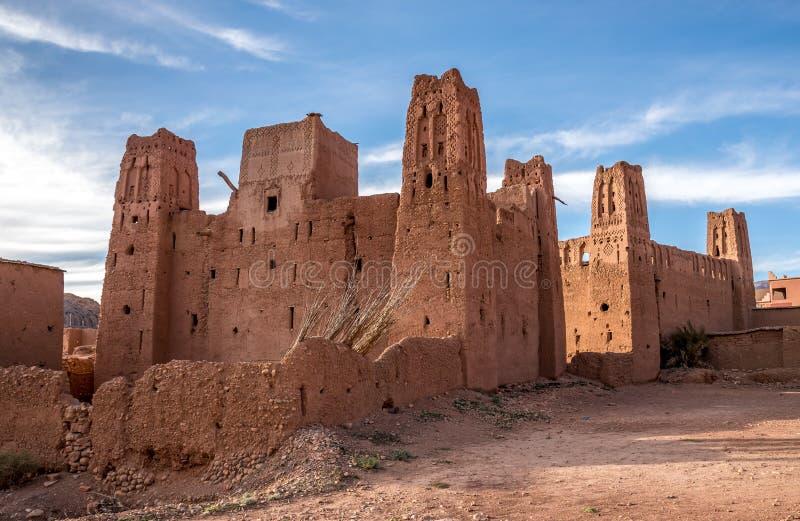 Χαρακτηριστικό μαροκινό kasbah στοκ φωτογραφία με δικαίωμα ελεύθερης χρήσης