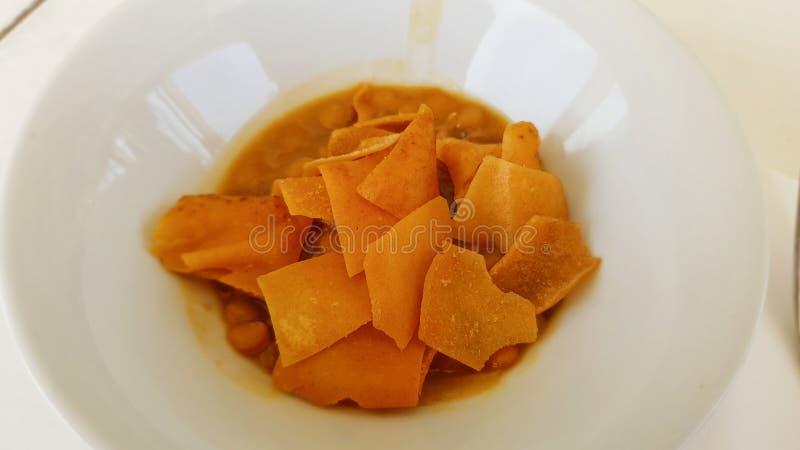 Χαρακτηριστικό πιάτο σούπας της λιβανέζικης κουζίνας Sidon, Λίβανος στοκ φωτογραφίες