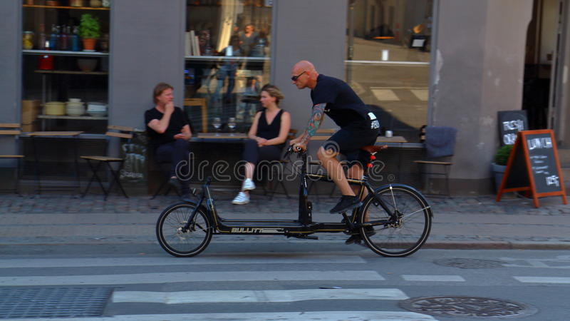 Χαρακτηριστικό ποδήλατο της Κοπεγχάγης στοκ φωτογραφία με δικαίωμα ελεύθερης χρήσης