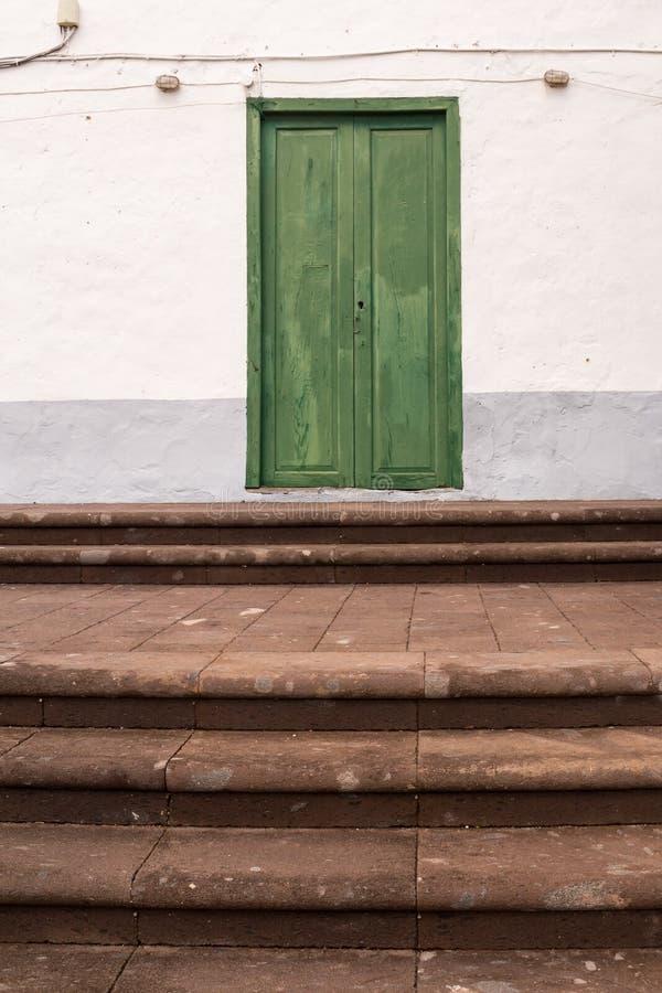 Χαρακτηριστικό πράσινο χρώμα της πόρτας, Tenerife, Ισπανία στοκ εικόνες