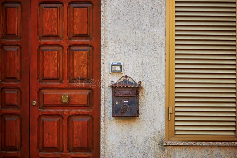 Χαρακτηριστικό σπίτι σε Bosa, Σαρδηνία, Ιταλία στοκ εικόνες