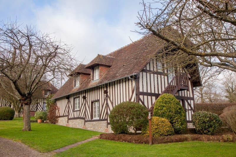 Χαρακτηριστικό σπίτι στη Νορμανδία, Γαλλία στοκ εικόνα