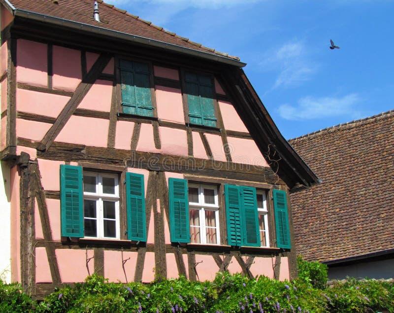 Χαρακτηριστικό σπίτι fachwerk σε Riquewihr, Αλσατία, Γαλλία στοκ φωτογραφίες
