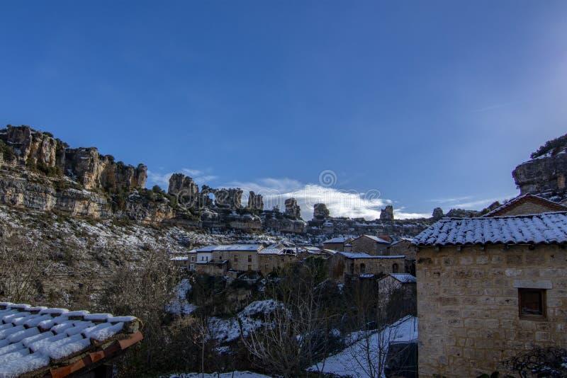 Χαρακτηριστικό σπίτι Orbaneja del Castillo, Burgos, Ισπανία στοκ εικόνες