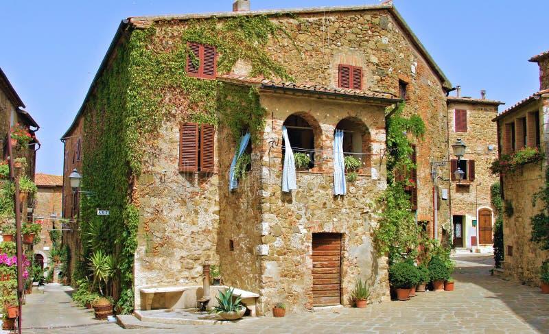Χαρακτηριστικό χωριό της Τοσκάνης Maremma στοκ φωτογραφία με δικαίωμα ελεύθερης χρήσης