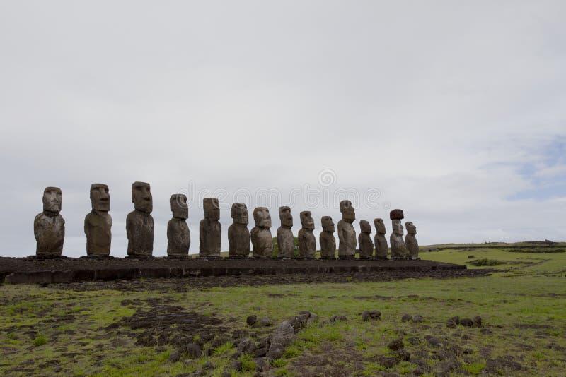Χαρασμένα αγάλματα πετρών - Moais - Ahu Tongariki, νησί Πάσχας Rapa Nui - Χιλή στοκ εικόνα με δικαίωμα ελεύθερης χρήσης
