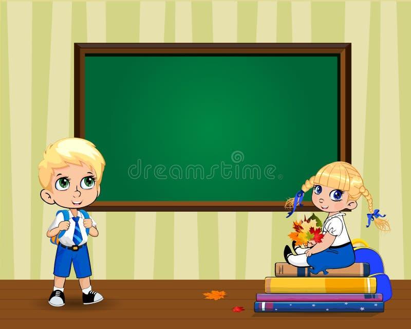 Χαριτωμένα σχολικά παιδιά κινούμενων σχεδίων στην τάξη κοντά στο σαφή πίνακα με το διάστημα αντιγράφων απεικόνιση αποθεμάτων