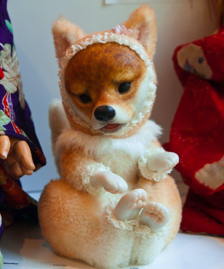 Χαριτωμένη για χάδια κόκκινη αλεπού μωρών στοκ εικόνα με δικαίωμα ελεύθερης χρήσης