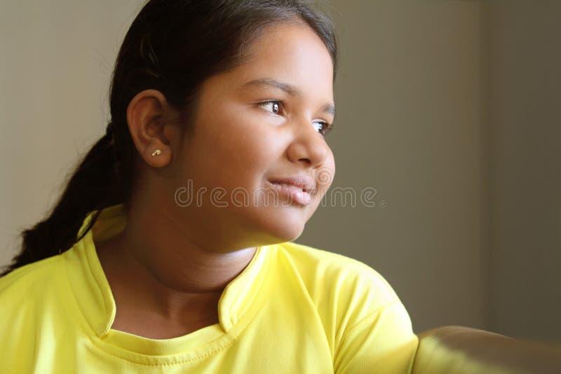 χαριτωμένος ινδικός εφηβ&io στοκ φωτογραφίες