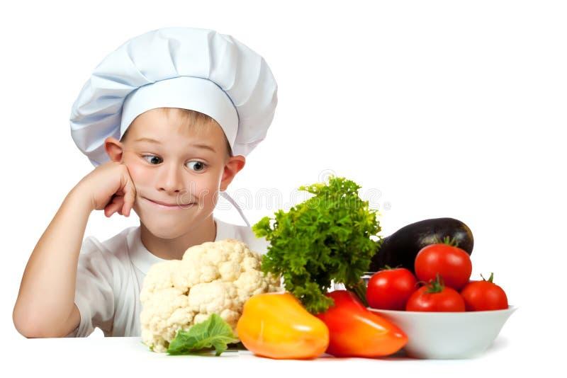 Χαριτωμένος λαντζιέρης με τα ακατέργαστα λαχανικά στοκ φωτογραφίες με δικαίωμα ελεύθερης χρήσης