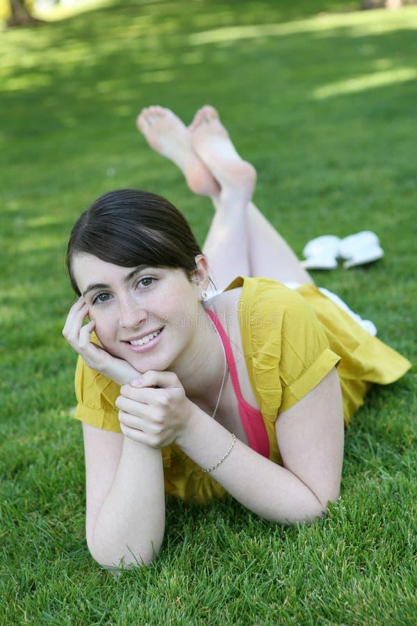 χαριτωμένο κορίτσι έξω στοκ φωτογραφία με δικαίωμα ελεύθερης χρήσης