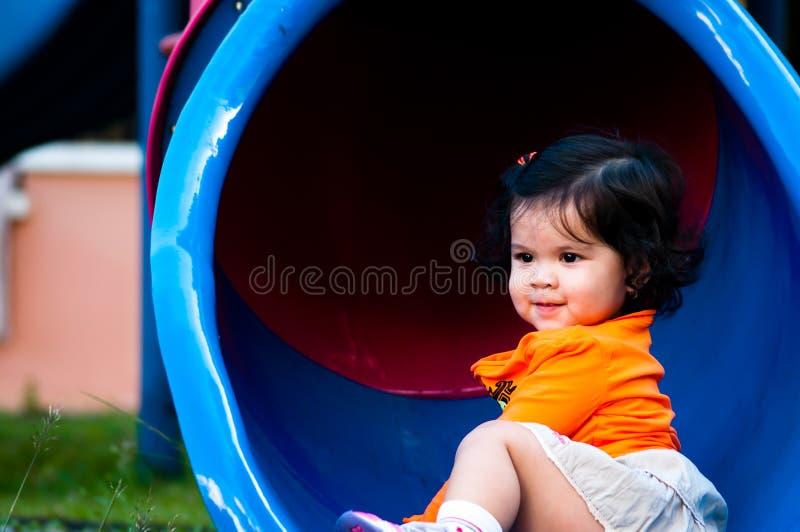 Download χαριτωμένο κορίτσι λίγα στοκ εικόνα. εικόνα από χαρά - 17056979
