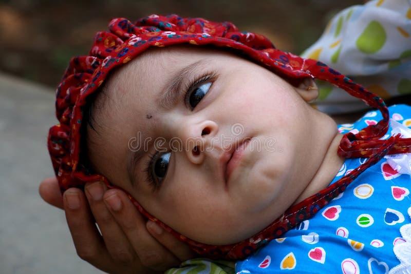 Χαριτωμένο κοριτσάκι στοκ φωτογραφίες