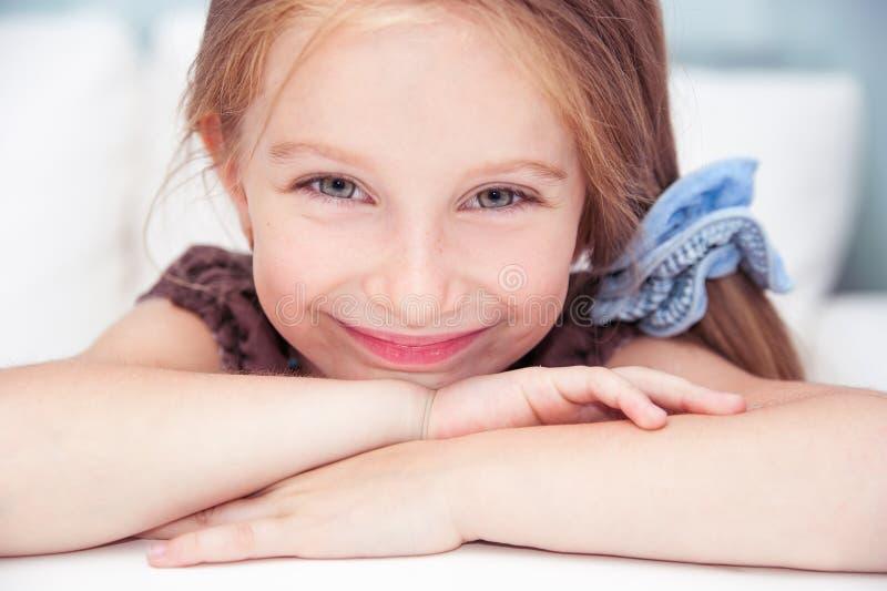 Χαριτωμένο μικρό κορίτσι στοκ φωτογραφίες