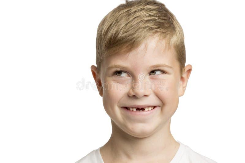 Χαριτωμένο μικρό παιδί χωρίς προηγούμενα δόντια που γελά, κινηματογράφηση σε πρώτο πλάνο στοκ φωτογραφίες με δικαίωμα ελεύθερης χρήσης
