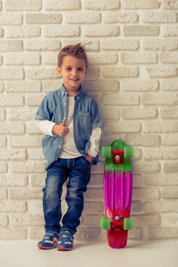 Χαριτωμένο μικρό παιδί στοκ φωτογραφίες με δικαίωμα ελεύθερης χρήσης