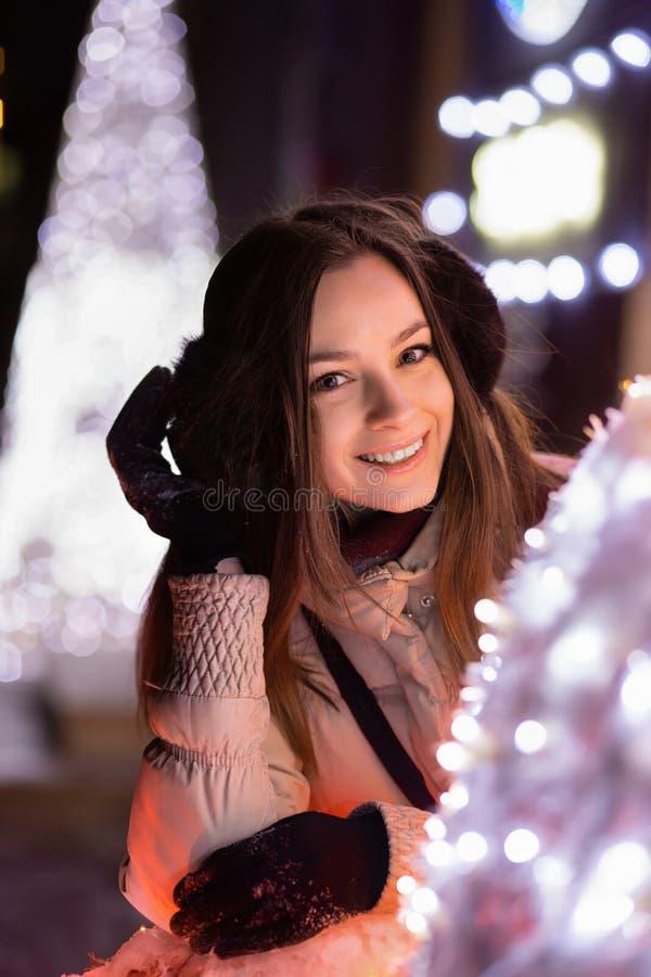χαριτωμένο πορτρέτο brunette στοκ εικόνες με δικαίωμα ελεύθερης χρήσης