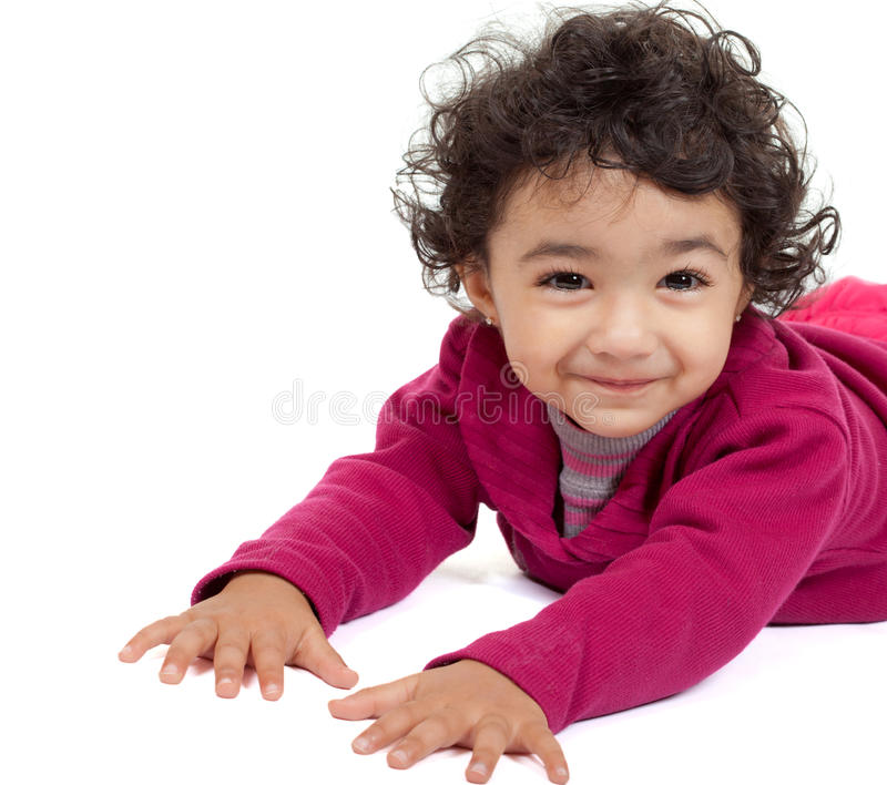 χαριτωμένο χαμογελώντας μικρό παιδί πορτρέτου κοριτσιών στοκ φωτογραφία με δικαίωμα ελεύθερης χρήσης