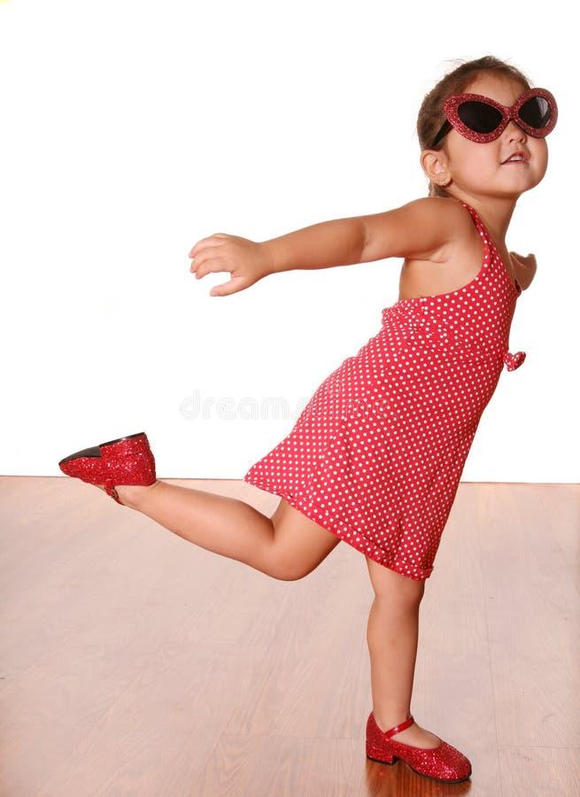 χαριτωμένο χορεύοντας κορίτσι στοκ φωτογραφίες