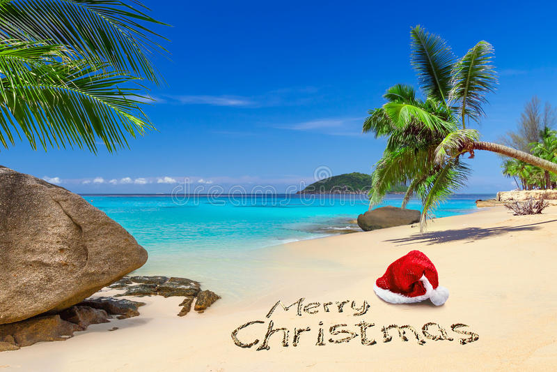 Χαρούμενα Χριστούγεννα από την τροπική παραλία στοκ φωτογραφία με δικαίωμα ελεύθερης χρήσης