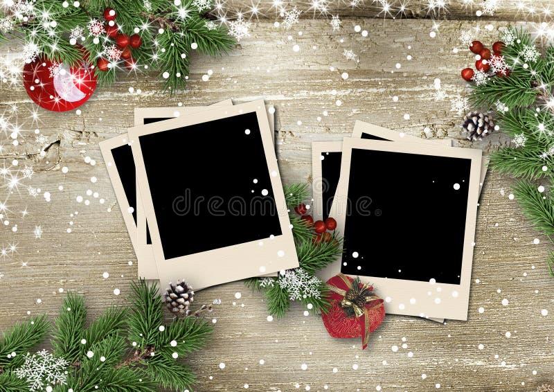 Χαρούμενα Χριστούγεννα και καλή χρονιά ευχετήριων καρτών με τη διακόσμηση απεικόνιση αποθεμάτων