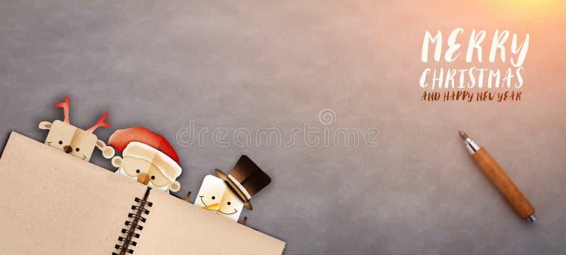 Χαρούμενα Χριστούγεννα και ξύλινο backgro εμβλημάτων επιτραπέζιων κορυφών καλής χρονιάς στοκ εικόνες