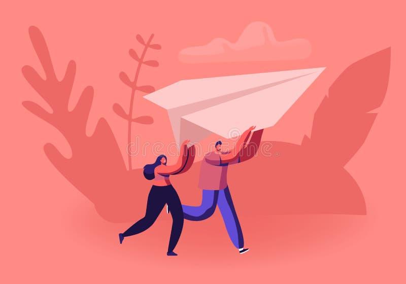 Χαρούμενο ζευγάρι που τρέχει με χάρτινο αεροπλάνο στα χέρια Οριγκάμι Χόμπι Ή Έναρξη Νέας Επιχείρησης ελεύθερη απεικόνιση δικαιώματος
