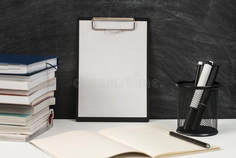 Χαρτικά περιοχών αποκομμάτων προτύπων εργασιακών χώρων δασκάλων στοκ εικόνες