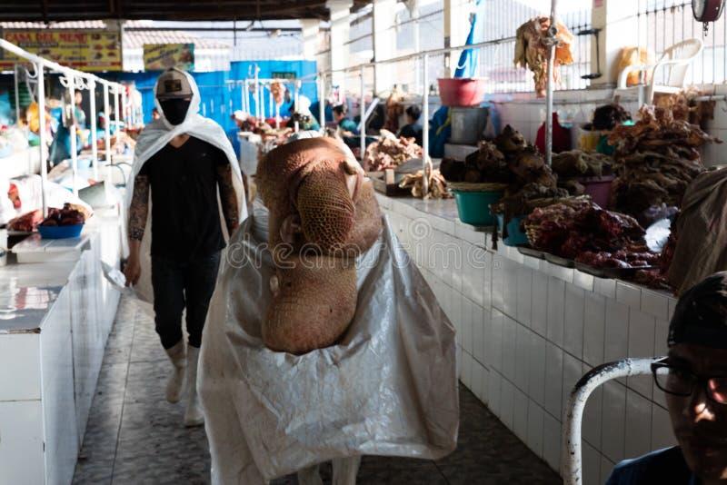 Χασάπης στην αγορά, Cusco, Περού στοκ φωτογραφία