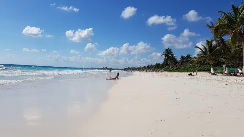 Χαλάρωση στην παραλία παραδείσου, Tulum στοκ φωτογραφία με δικαίωμα ελεύθερης χρήσης