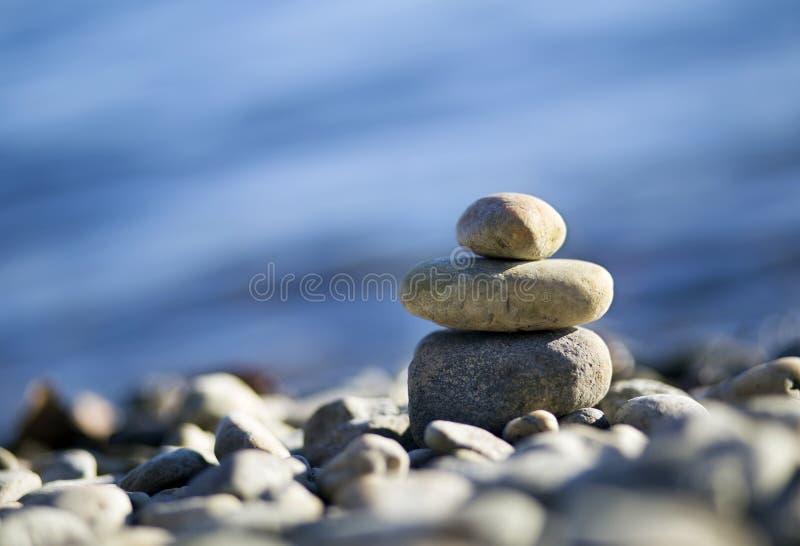 Χαλαρώστε τις πέτρες της Zen στοκ φωτογραφία με δικαίωμα ελεύθερης χρήσης