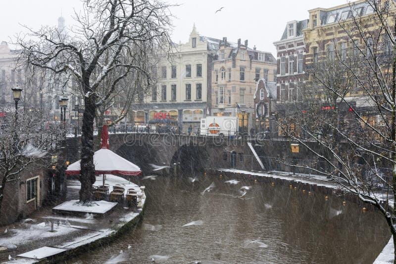Χειμερινά κανάλια στην πόλη της Ουτρέχτης στοκ εικόνες