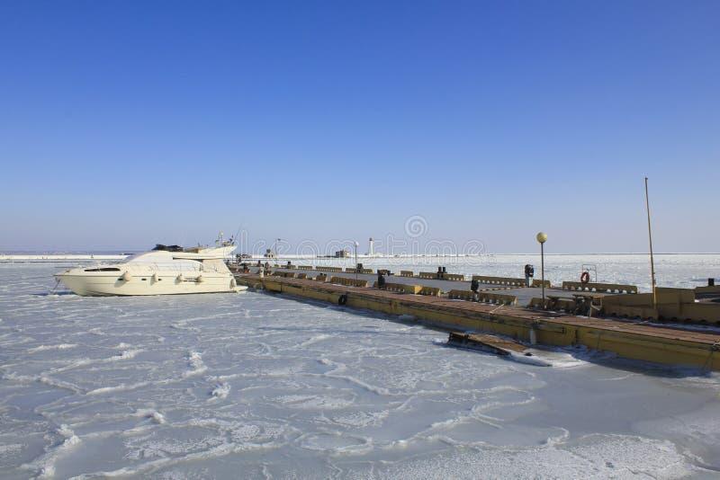 Χειμερινή άποψη της μαρίνας στοκ φωτογραφίες με δικαίωμα ελεύθερης χρήσης