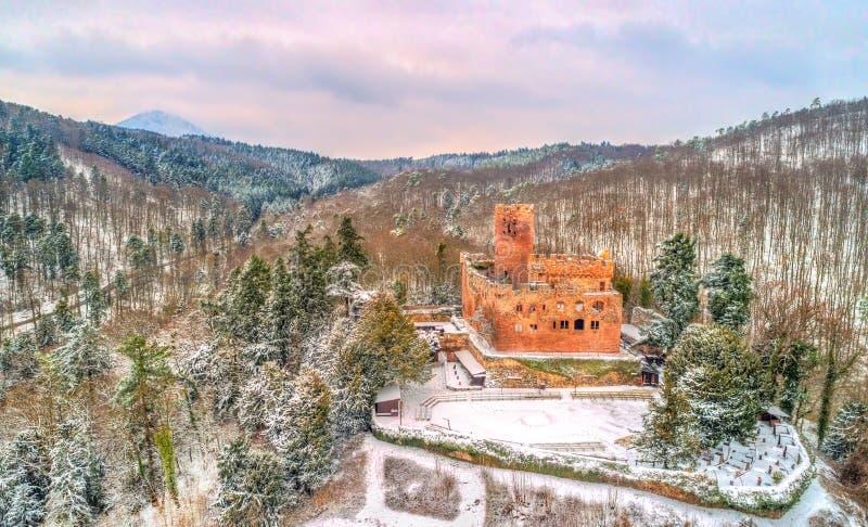 Χειμερινή άποψη του πύργου de Kintzheim, ένα κάστρο στα βουνά Vosges - Bas-Rhin, Γαλλία στοκ εικόνες