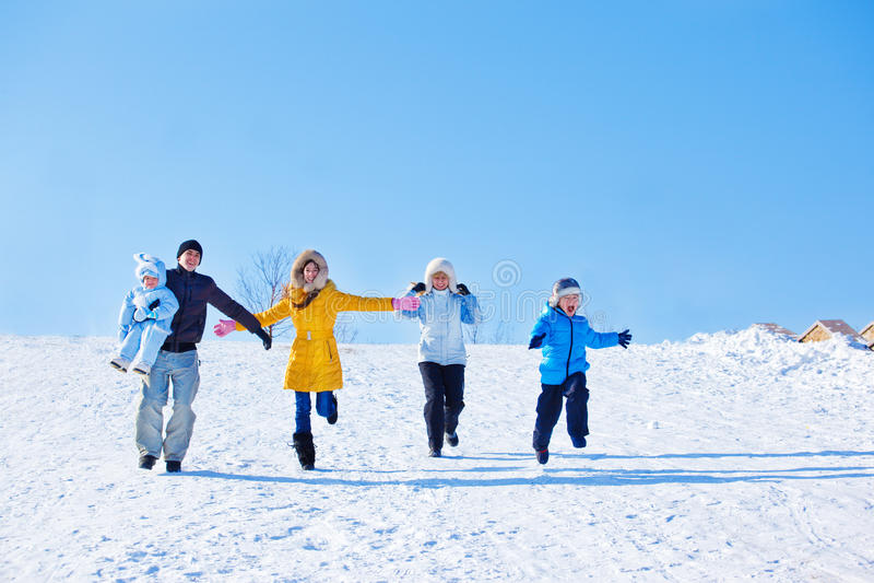 Χειμερινή οικογένεια στοκ εικόνες