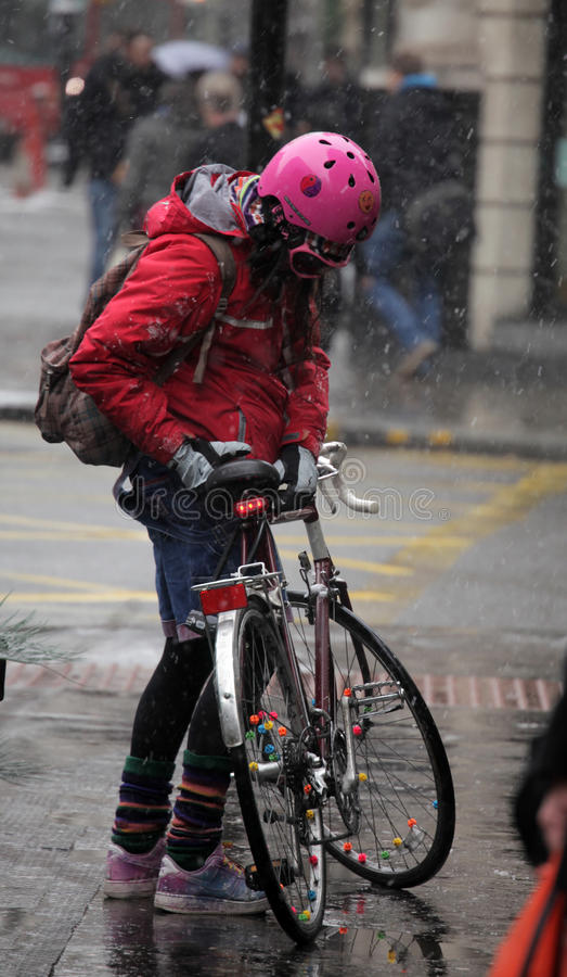 Χειμερινός ποδηλάτης στοκ φωτογραφία με δικαίωμα ελεύθερης χρήσης