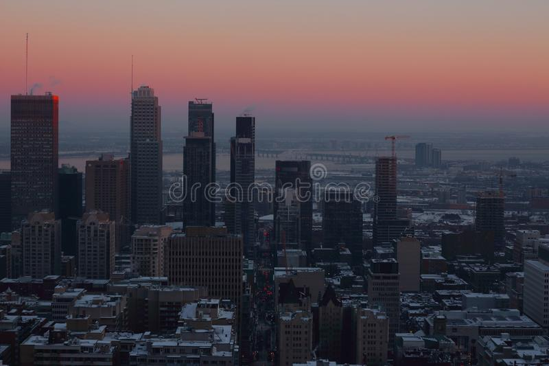 Χειμερινό ηλιοβασίλεμα του Μόντρεαλ στοκ φωτογραφίες