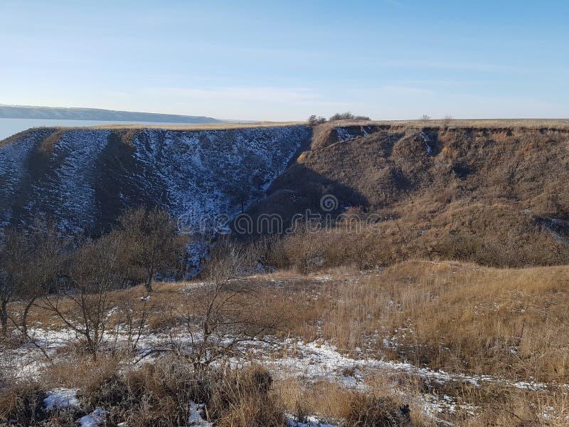Χειμερινό τοπίο κοντά στην εκβολή στοκ εικόνα