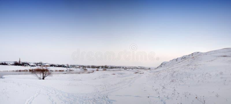 Χειμερινό τοπίο με το χιόνι στοκ φωτογραφία με δικαίωμα ελεύθερης χρήσης