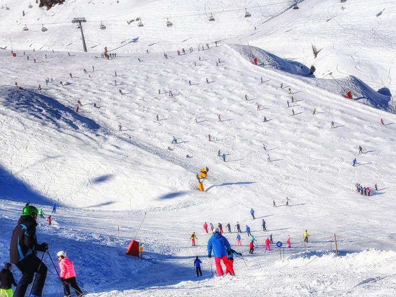 Χειμερινό χιονοδρομικό κέντρο Hintertux στοκ φωτογραφίες με δικαίωμα ελεύθερης χρήσης